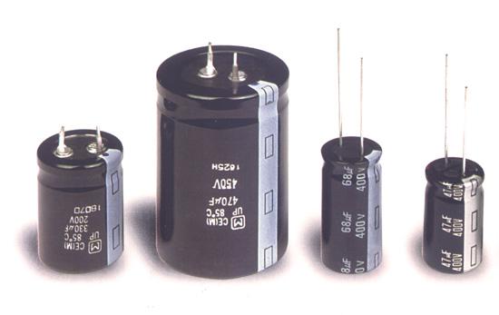 Contoh kapasitor elektrolit