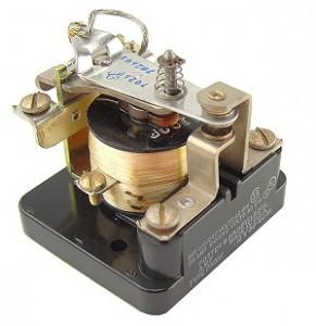 Contoh Relay Elektro Mekanik