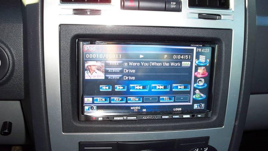 Head Unit Audio Mobil